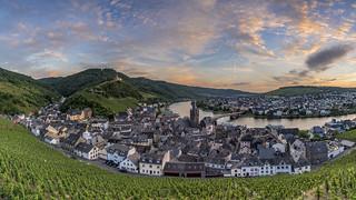 *Bernkastel-Kues @ Sonnenuntergangs-Panorama*