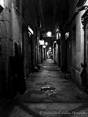 """""""Street_Night"""" (giannipaoloziliani) Tags: hdr walls lamps obscure obscurity oscuro notte scuro buio extreme sagoma shape periphery suburbs streetnight barcelona spagna spain barcellona barrigotic street streetphotography streetcapture streetphoto night darkness dark black monocromatico monochrome blackandwhite biancoenero flickr"""