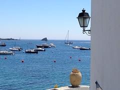 Me encanta el verano.. (Ester Arrebola Bravo) Tags: vistas barcos veleros verano terraza