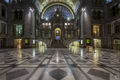Centraal Station [BE] (ta92310) Tags: travel europe belgique belgium antwerp antwerpen anvers flandre flemish bluehour tram longexposure gare train station central 1905 antwerpencentraal centraal