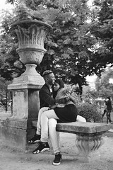 Un calin (stephaneberla) Tags: emotions france gens paris portrait amour amoureux banc bench black blackandwhite character city country feeling jardinduluxembourg love lover lovers noiretblanc people smile sourire town