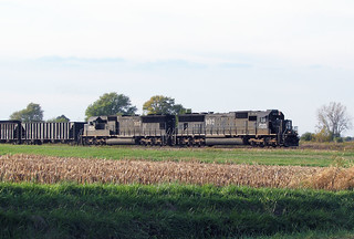 IC SD70, 1017, 1032,  Farmersville, IL.