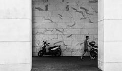 Geometrie Urbane (Paolo Domesi) Tags: geometrie geometria street roma rome eur arapacis civiltà lavoro colosseoquadrato strada palazzo colonne colonnato