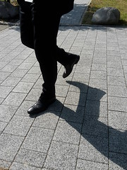 The Manager - Black Dress Shoes 01 (TBTAOTW2011) Tags: manager businessman business man suit tie walking street hidden candid feet foot black leather dress shoe shoes sole soles mature glasses