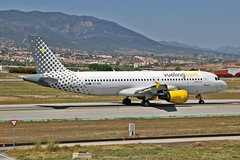 EC-MBK Airbus A.320-214 Vueling AGP 13-06-17 (PlanecrazyUK) Tags: lemg malaga–costadelsolairport malaga costadelsol ecmbk airbusa320214 vueling agp 130617