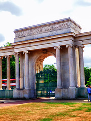 Hyde Park Corner (photphobia) Tags: london uk hydeparkcorner hydepark architecture building oldwivestale monument monuments arch