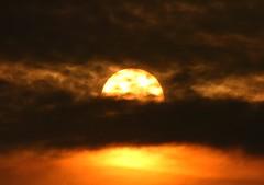 Sunshine on a cloudy day (Peanut1371) Tags: sunrise sun clouds cleethorpes