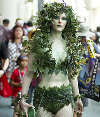 Poison Ivy (San Diego Shooter) Tags: cosplay sandiego comiccon comiccon2017 sdcc sdcc2017 sandiegocomiccon comicconcostumes portrait streetphotography costumes