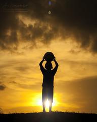 Adam en Silueta II | Candid (Muktasyaf AnNamir) Tags: annamir canon 350d kitlens silueta silhouette candid malaysia bayang2 photography photographer