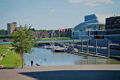 Stadshaven Venlo (Karl Van Loo) Tags: venlo nederland netherlands architecture architectuur haven harbor water building schip schepen ship ships city stad