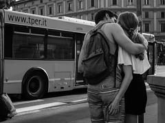 The kiss (silvanoalloggio) Tags: kiss street streetphotography monochrome biancoenero sonyalpha6300