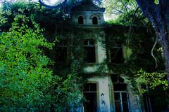 Villa M. (Buegelhilfe Moers) Tags: urbex urbanexploring horror geister ghosthunter grusel villam lostplaces
