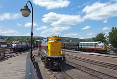 Busy Scranton Afternoon (Erie Limited) Tags: delawarelackawanna dl2452 c425 lackawanna f3a emd alco scrantonpa train railfan railroad
