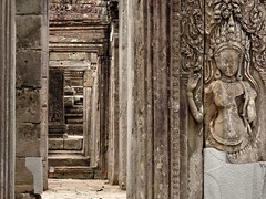 Under your spell (The Shy Photographer (Timido)) Tags: cambodia cambogia angkor asia shyish