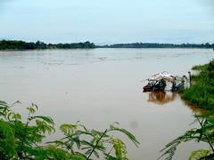 Boats on the Mekong 4 (SierraSunrise) Tags: mekong mekongriver nongkhai phonphisai rivers thailand water