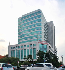 RS Husada Utama (Everyone Sinks Starco (using album)) Tags: surabaya eastjava jawatimur building gedung architecture arsitektur rumahsakit hospital