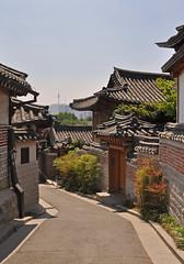 South Korea - Seoul - Bukchon Hanok Village (Harshil.Shah) Tags: south korea seoul bukchon hanok village city urban historic neighbourhood asia traditional cityscape