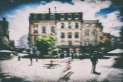 Les choses bizarres (Fabrice Le Coq) Tags: vert street rue flou silohète ciel nuage fabricelecoq