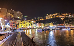 Marina Grande - Sorrento (Italy) (Andrea Moscato) Tags: andreamoscato italia porto harbour ship boat reflection riflesso water acqua mare sea city città paese edificio case buildings notte notturno dark danmark light ombre shadow luci people persone view vista vivid pontile pier yellow red restaurant molo