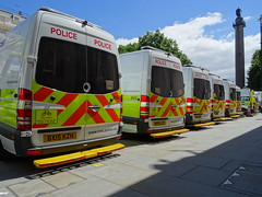 Metropolitan Police (999 Response) Tags: bx15lcc bx15kzh bx15lce bx15kwl bx15lao metropolitan police state visit from spains king and queen london 2017 england 999 mercedes benz public order vans