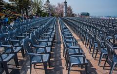 2017 - Korea - Incheon City - 11 of 24 (Ted's photos - For Me & You) Tags: 2017 cropped incheon korea nikon nikond750 nikonfx tedmcgrath tedsphotos vignetting seating seats chairs shadow perspective backpack jayupark emptyseats incheonkorea