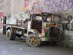 E-M1MarkII-13. Juli 2017-14-53-26 (spline_splinson) Tags: consonno graffiti graffitiart graffity italien italy lostplace losttown oldcar oldtruck ruin ruinen ruins truck lombardia it