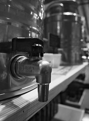 Made In Italy (Ren-s) Tags: blackandwhite black blackwhite blanc bnw bw noiretblanc noir noirblanc nb 2952 week semaine projet52 project52 project projet oil huile olive italy robinet tap dispenser faucet bokeh flou pointdefuite pointdevue pointofview vanishingpoint foodstuff aliment bidon container tin can metal wood planche plank board olympus em10 m1442mm f3556 ii r new bruxelles brussels belgique belgium italie europe