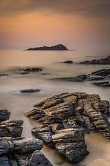 Izaro (PiTiS ¬~) Tags: coast costa mar sea rocks rocas longexpo longexposure largaexposicion cielo sky sunset atardecer nikonk d610 bizkaia antzoras urdaibai basquecountry euskadi euskalherria