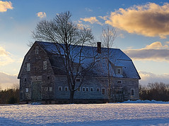 Old Barn_Evening Light (walter_g) Tags: sonya6000 minoltamc24mmf28 rawtherapee gimp295 nikcolorefexpro snow sundown
