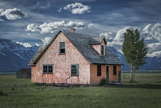 Peach House on the John Moulton Ranch, Mormon Row (Grand Teton N