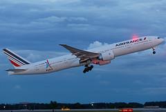 F-GZNP - Boeing 777-328ER - Air France - KATL - July 2017 (peachair) Tags: fgznp boeing 777328er air france katl july 2017 cn 37435 1290 paris2024 olympic games sticker