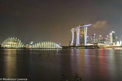 Marina Bay Sands (Modestus Lorence) Tags: xt2 fujifilm cityscape landscape night sands marinabay singapore