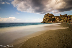 Scilla (Calabria) (paolotrapella) Tags: scilla calabria italia mare lunga esposizione filtro nd spiaggia sabbia acqua nuvole cielo long sea exposure filter beach sand sky clouds water