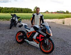 Johan vid sin KTM RC8 (afeman) Tags: xpro2 vehicles rc8 motorcycles ktm xf23f2wr johanaltzar fujifilm transport borlänge dalarnaslän sweden se