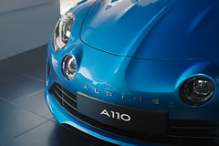 Alpine A110 - 2017 (JJ Micheli) Tags: k1 pentaxk1 smcpentaxa50mmf17 grosplan grosplans lumièrenaturelle naturallight sportcar voiturefrançaise 50mm alpine boulogne renault showroom automobile automotive car closeup concession concessionnaire filter filtrepolarisant flare intérieur polarisation polarizer reflection reflets reflexion sportive voiture new a110 nouvelle 2017