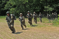 170718-Z-GN092-341 (Kentuckyguard) Tags: kentuckynationalguard nationalguard airassault mountainwarriors livefire campatterbury 1stbattalion149thinfantry 1149thinfantry 1123rdengineercompany sapper infantry engineer usarmy
