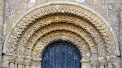 Lincoln Cathedral, Left portal archivolts