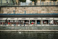 Prag - level for level (Margot in Love) Tags: prag praque level ebenen waterfront water tschechien moldau people menschen sommer summer