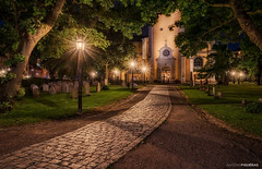 Maria Magdalena (Antoni Figueras) Tags: stockholm sweden church mariamagdalena cemetery streetlights longexposure night bluehour park