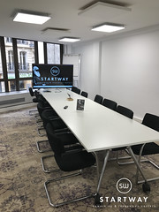 StartWay-Salle-de-reunion-Paris-8-eme-2 (Startway Coworking) Tags: coworking paris coworkingparis8 sallederéunion sallederéunionàparis8èmearrondissement centredaffairesparis centredaffaires businesscentreparis bureauxpartagésparis bureauxàpartageràparis domiciliationàparis