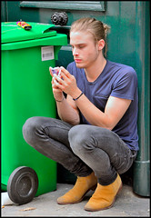 _140827_Smartphone_Guy_087 (FrancoisRoland) Tags: man street paris smartphone