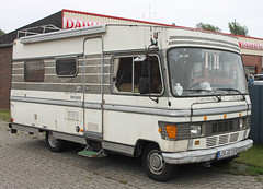 Hymer Camper (Schwanzus_Longus) Tags: wiesmoor german germany old classic vintage camper rv mobile home camping van hymer hymermobil 700 mercedes benz