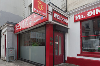 TODAY I REVISITED MY CANON 1Ds MKIII And I WAS DISAPPOINTED [MR. DINH RESTAURANT ON CAPEL STREET]-130887