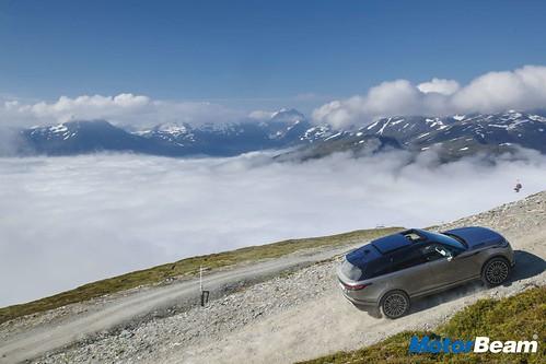 Range Rover Velar 09