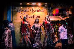 moda india (paris_sousa) Tags: moda vidriera window street people maniquí manikin varanasi benarés india asia sari
