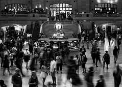 Bustling Grand Central Station, New York City (WilliamFisherPhotography) Tags: motion grandcentralterminal mirrorless blackwhite newyorkcity handheld 1545 canoneosm10 travel