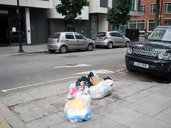 20170724T15-42-26Z-P7240824 (fitzrovialitter) Tags: bloomsburyward fitzrovia geo:lat=5152009412 geo:lon=013651465 geotagged england unitedkingdom gbr peterfoster fitzrovialitter camden westminster rubbish litter dumping flytipping trash garbage london urban street environment streetphotography westend centrallondon documentary authenticstreet captureone littergram geosetter exiftool olympusem1markii mzuiko 1240mmpro