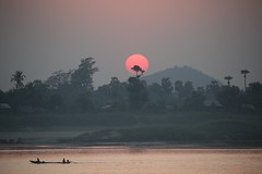in the trees (PawL23) Tags: myanmar monywa sun sunset river chindwin boat burma asia reflection silhouette shadow