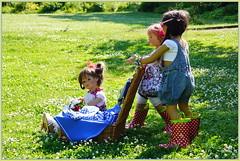 Einfach genießen ... (Kindergartenkinder) Tags: dolls himstedt annette park blume garten kindergartenkinder essen grugapark personen blumen sanrike milina sommer kindra setina