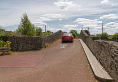 THIS IS KNOWN AS PARK ROAD BRIDGE [LOCATED IN LIMERICK]-130361 (infomatique) Tags: canalbridge modified1960 1800 oldbridge humpbackbridge limerick williammurphy infomatique fotonique canalsofireland parkroadbridge